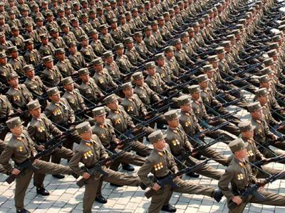 Forţele armate şi maşina de fabricat zei ( partea I )