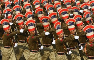 India şi diplomaţia militară