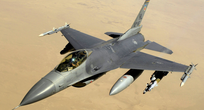 F-16 şi politica externă americană. Când geoeconomia întâlneşte geopolitica